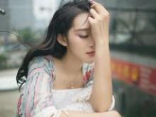 谈恋爱女人矜持的体现,不要因为误会错失感情